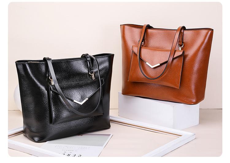 黑色子母包和棕色子母包
