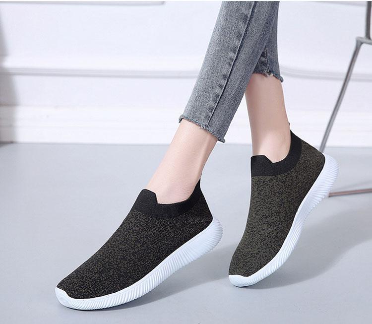 簡約時尚飛織運動鞋模特展示黑色