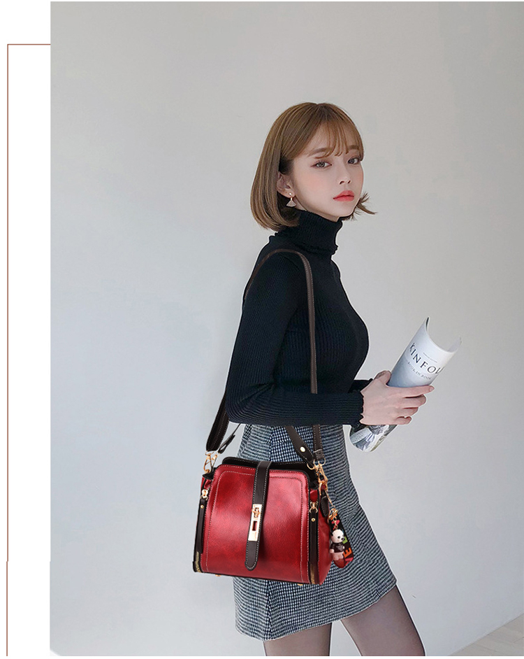 時尚小方包大紅色模特單肩包展示
