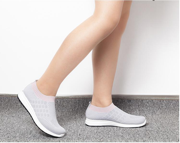 平底女款網面鞋運動鞋灰色