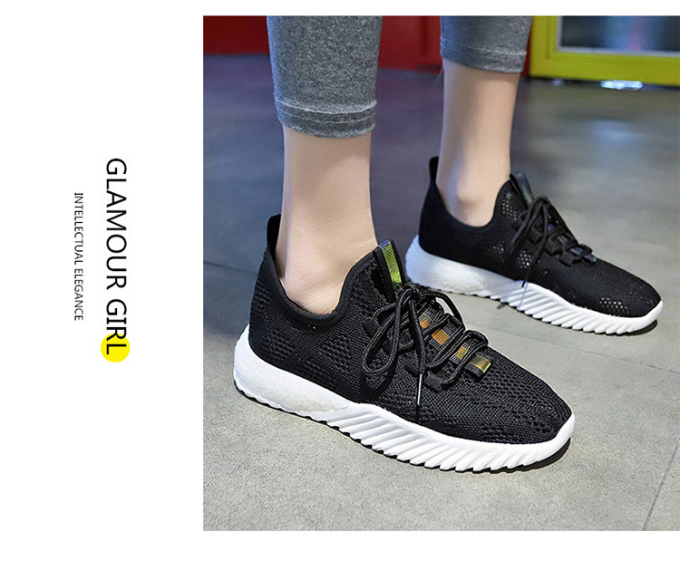 女生透氣韓版運動鞋模特展示黑色