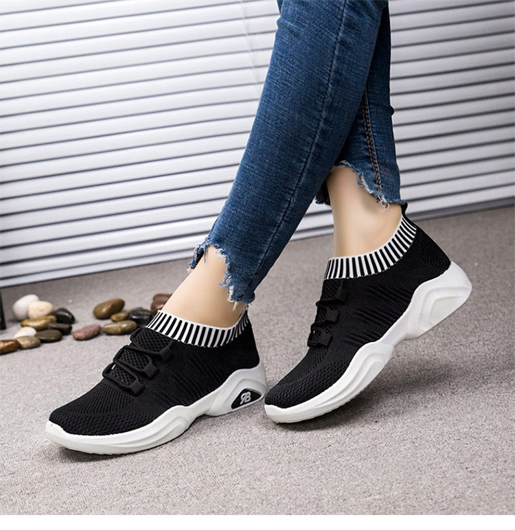輕量飛織跑鞋模特展示