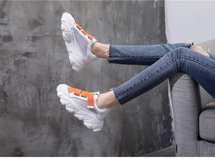 網面透氣運動鞋老爹鞋模特展示橙色