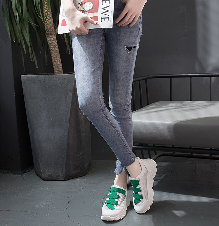 網面透氣運動鞋老爹鞋模特展示綠色