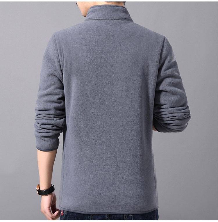 灰色夾克外套背面