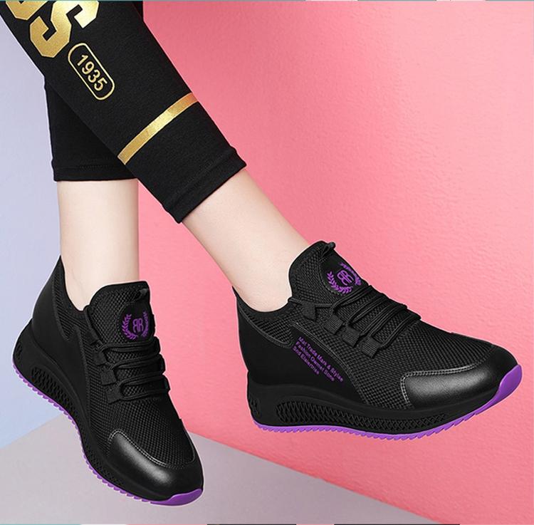 時尚運動鞋跑鞋模特展示