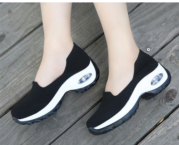 透氣彈力飛織鞋運動鞋黑色模特展示