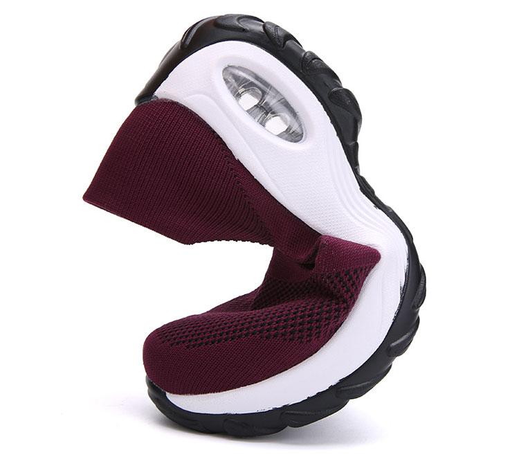 透氣彈力飛織鞋運動鞋彈性測試