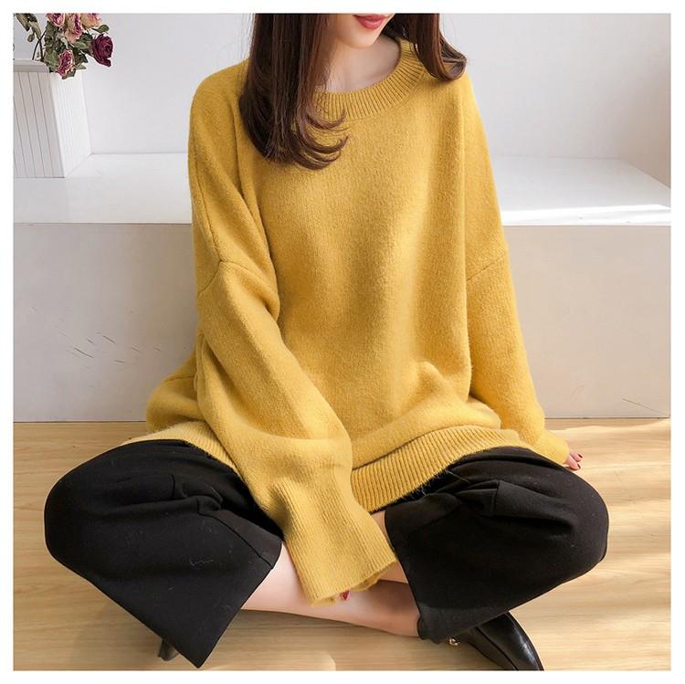 黃色針織毛衣模特展示