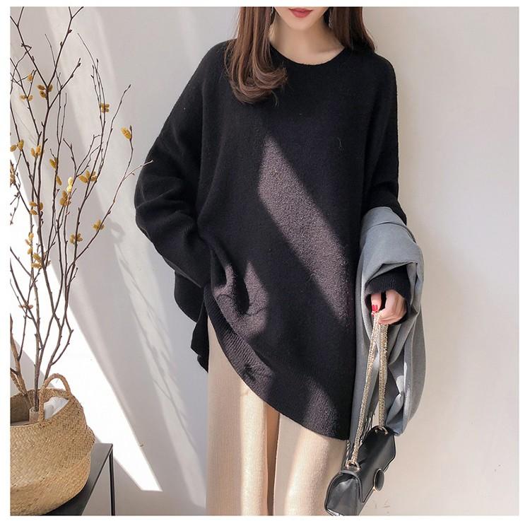 黑色針織毛衣模特展示
